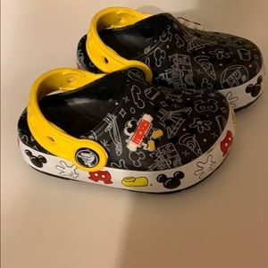 Disney Crocs, light up, size 6 C